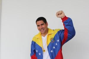 Winston Vallenilla jugó una caimanera con la selección venezolana de baloncesto